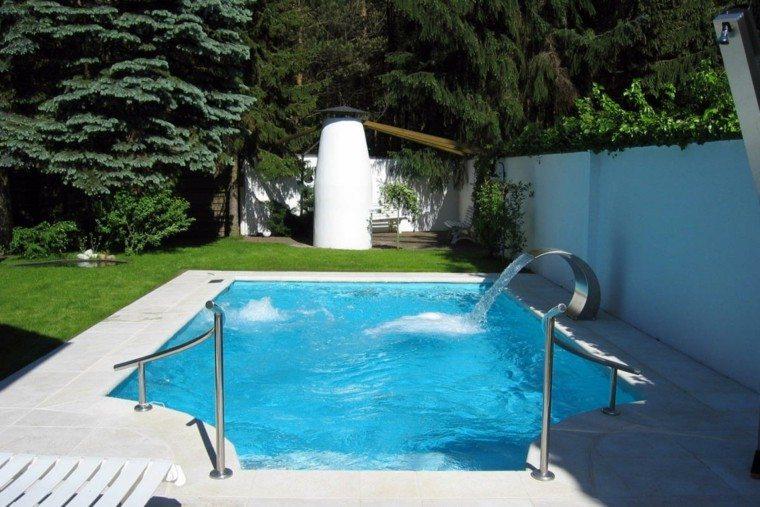 piscinas diseño ducha solar cascada