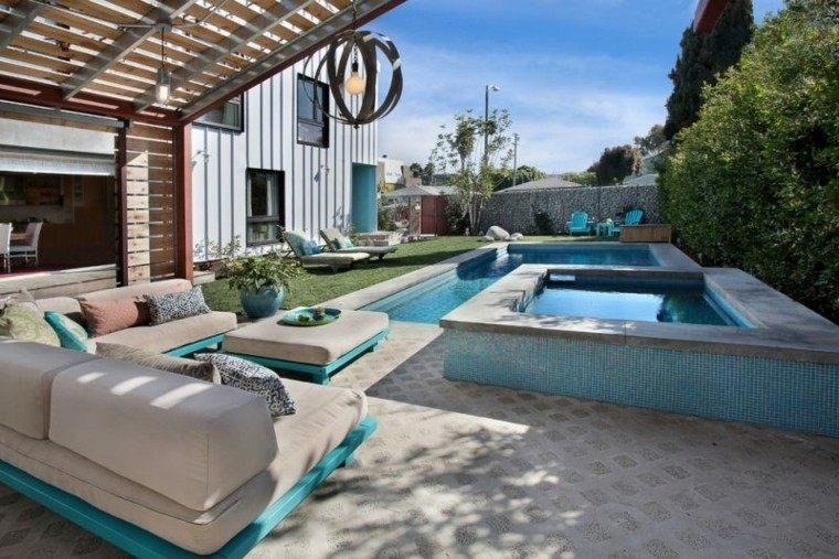 piscinas jardín pergola madera muebles blancos ideas