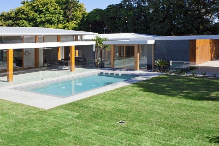 piscinas jardines amplios pergola madera ideas