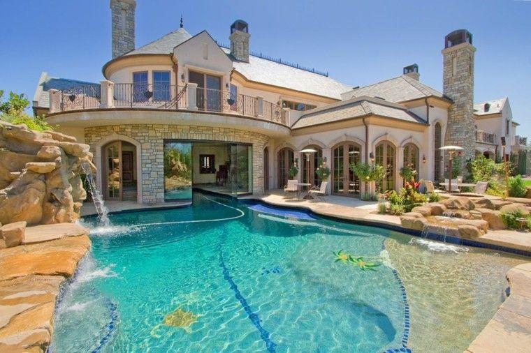 Piscinas jardines e ideas para el relax sin l mites for Imagenes de casas con jardin y piscina