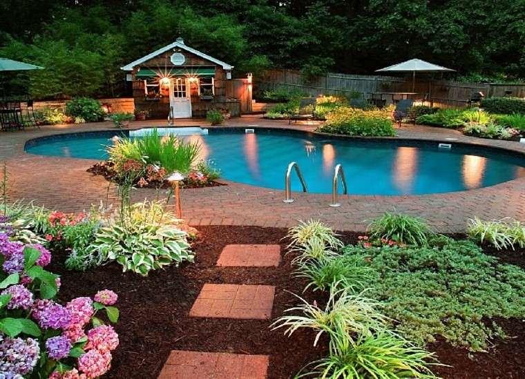 piscinas jardines diseño flores mantillo escalera