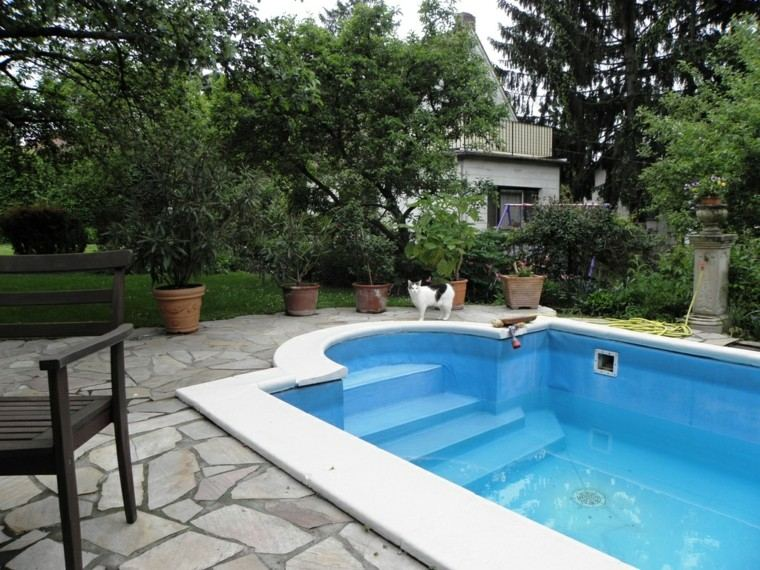 Piscinas jardines e ideas para el relax sin l mites - Adornos para piscinas ...