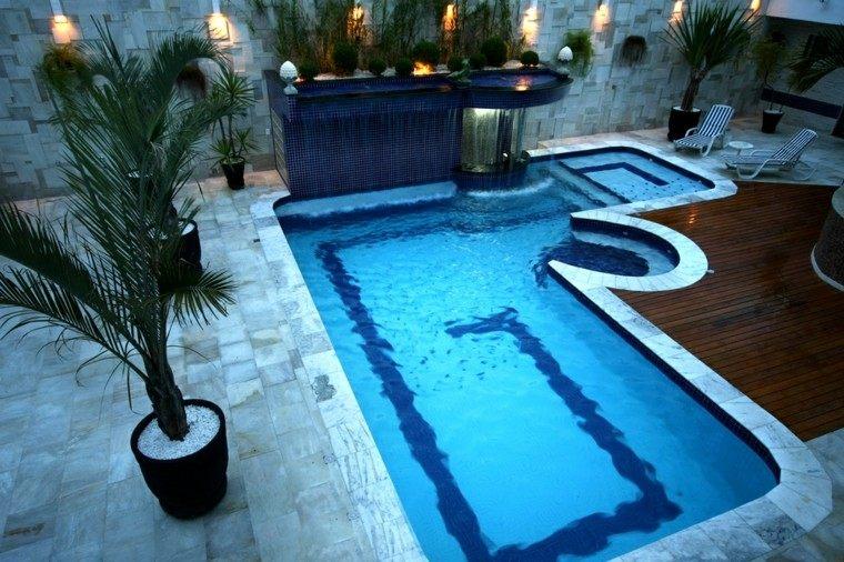 piscinas pequenas jardin suelo madera tumbonas ideas