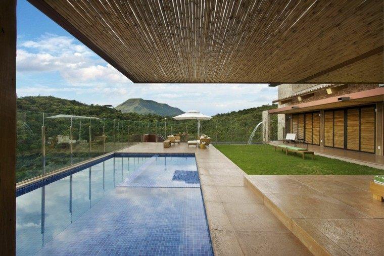 porche cubierta cañas bambu techo
