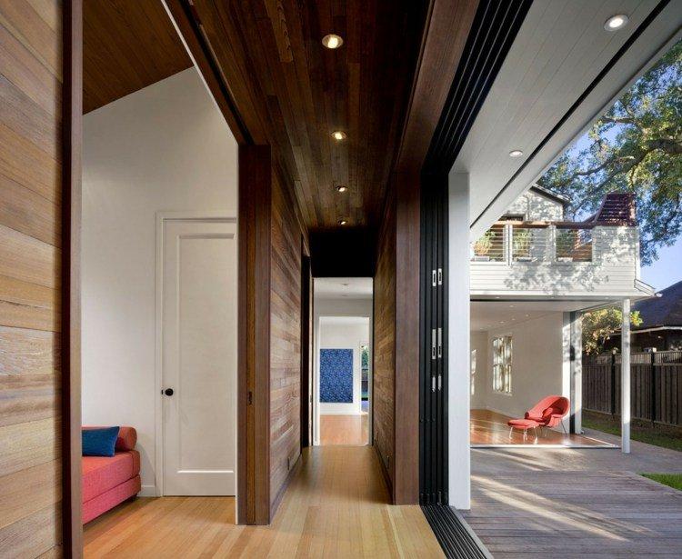 puerta corredera acceso patio led