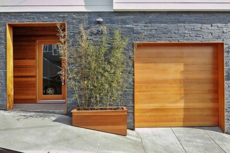 Ca as de bamb para decorar patios y terrazas for Puertas de madera para cochera