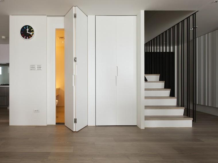 Baños Estilo Asiatico: blancas casi invisibles en este apartamento al estilo minimalista