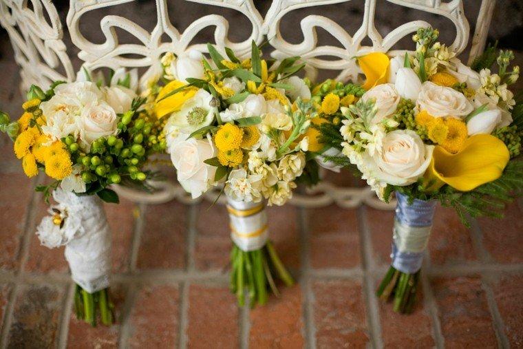 ramos de flores amarillo blanco estilo rustico ideas