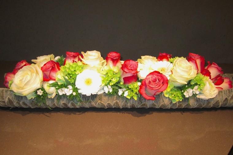 ramos de flores composicion rosas blancas rojas ideas