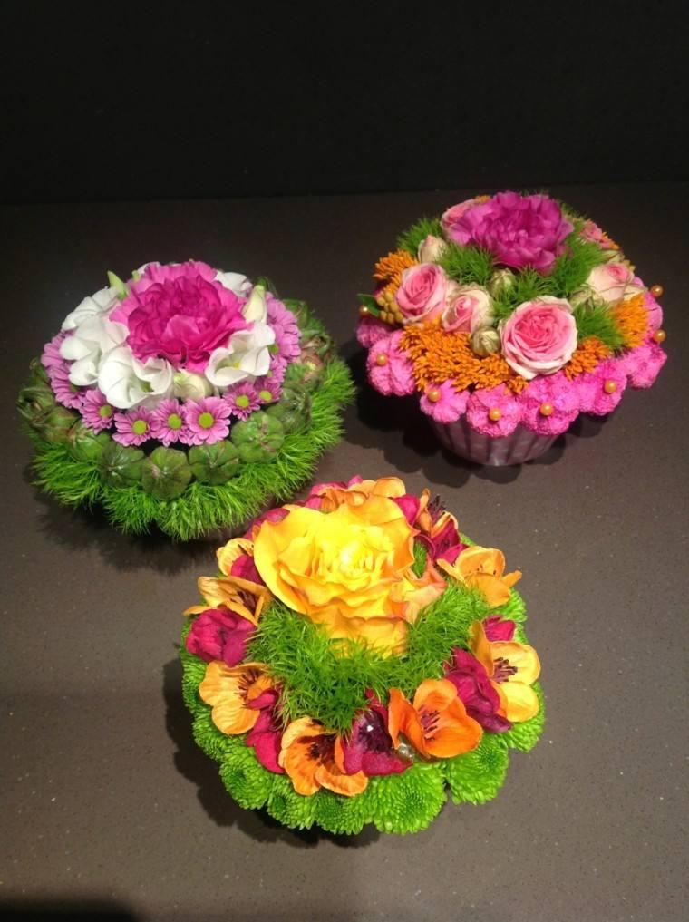 ramos de flores pequenos mesa colores ideas