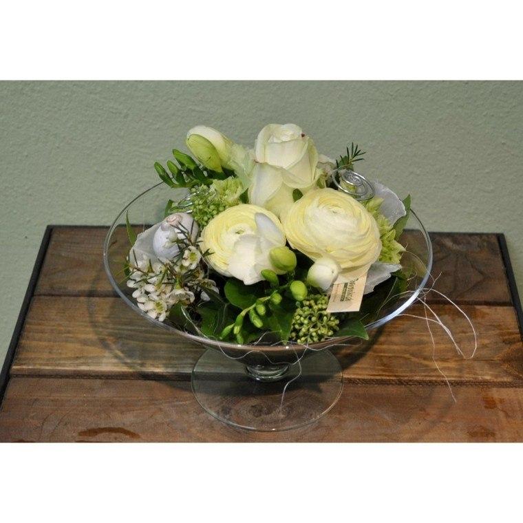 ramos de flores plato pequeno rosas blancas ideas
