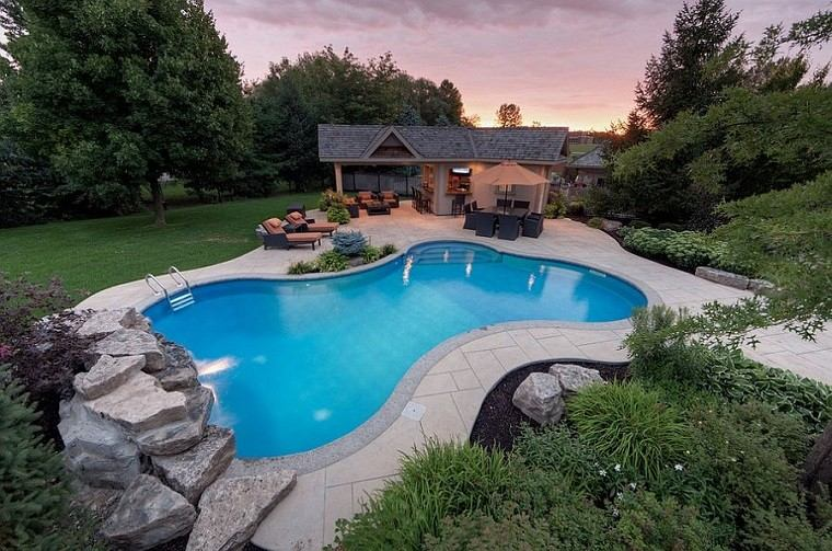 relaxing landscape yard house mulch