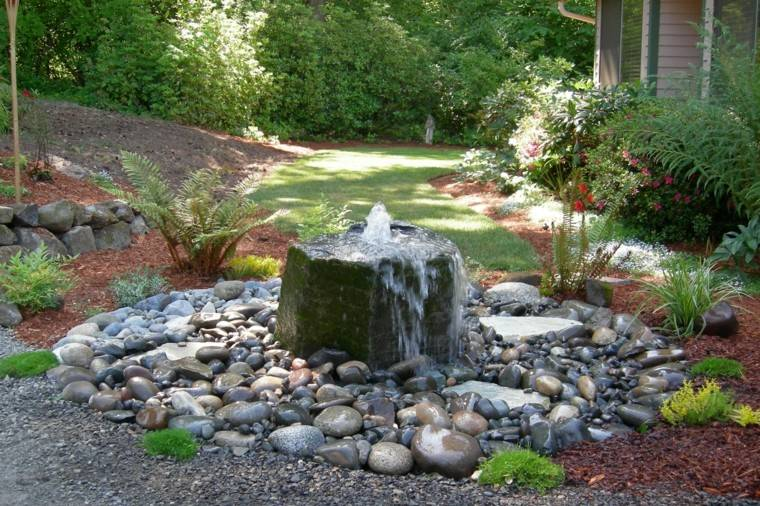roca grande central fuente agua