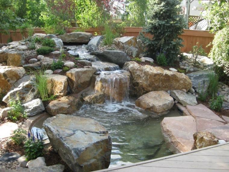 rocalla jardin fuente cascasa rocas