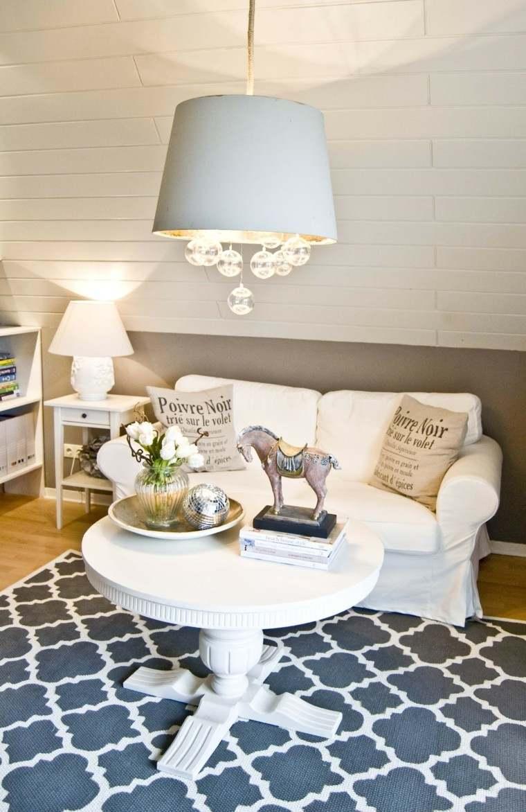 salon mesa madera blanca cojines