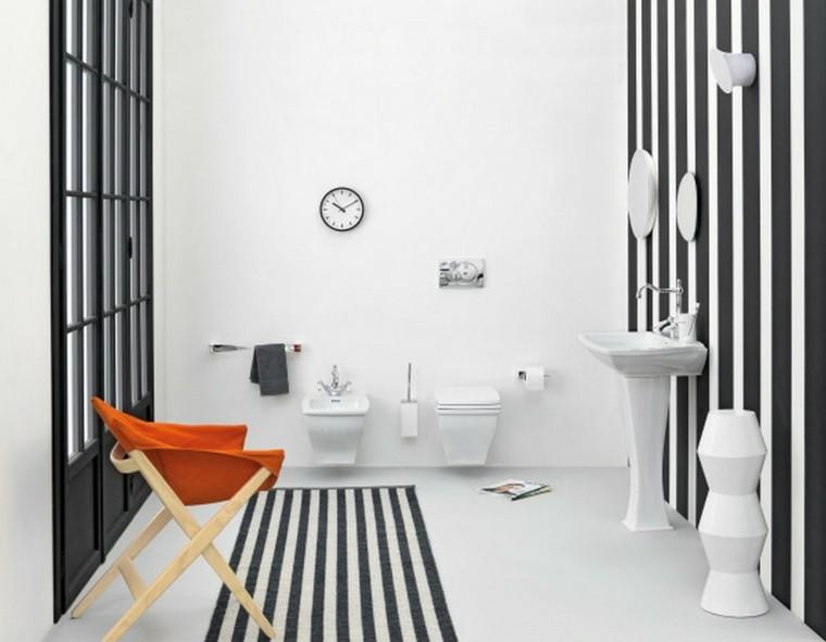 silla naranja madera paredes plegable