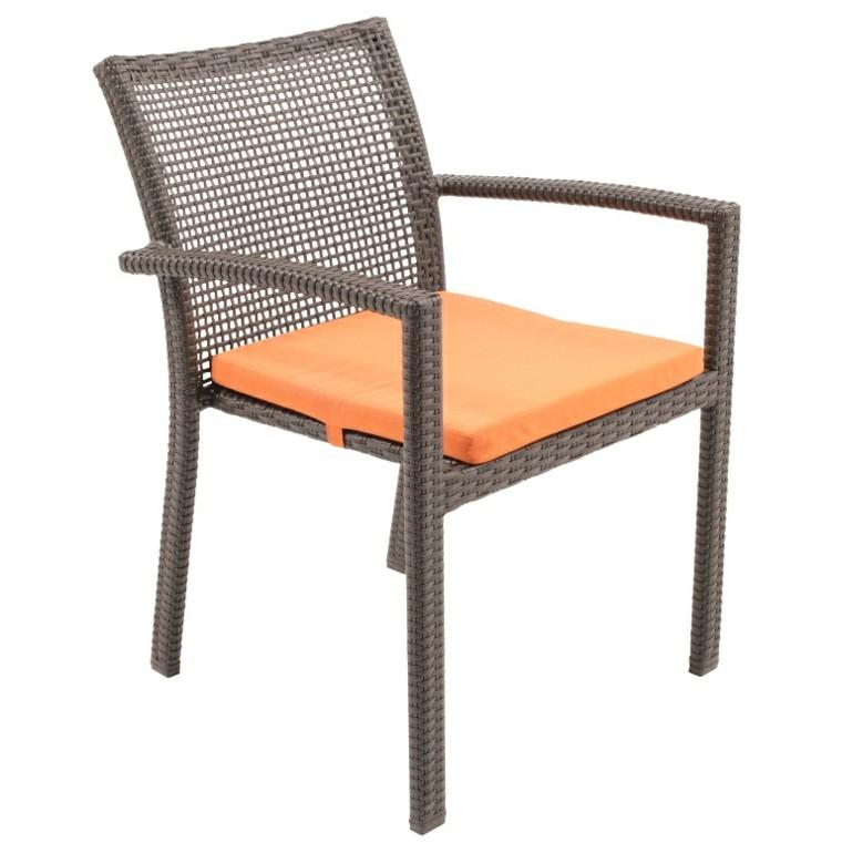 silla diseño simple ratan marron