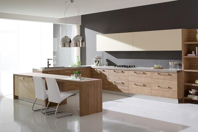 sillas blancas cocina amplia encimeras madera ideas