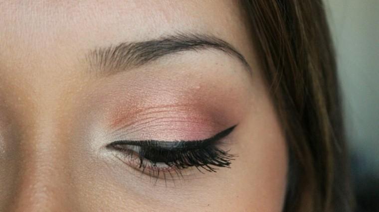 simple calro colorido pelo delineado negro