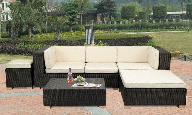 sofa rattan cojines blancos taburete ideas