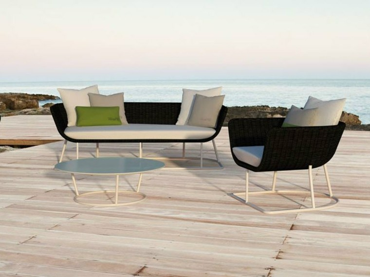 sofa sillon mesa blanca suelo madera ideas