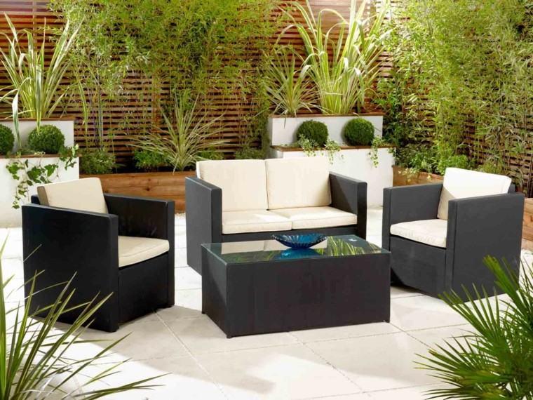sofa pequena jardin rattan cojines blancos ideas