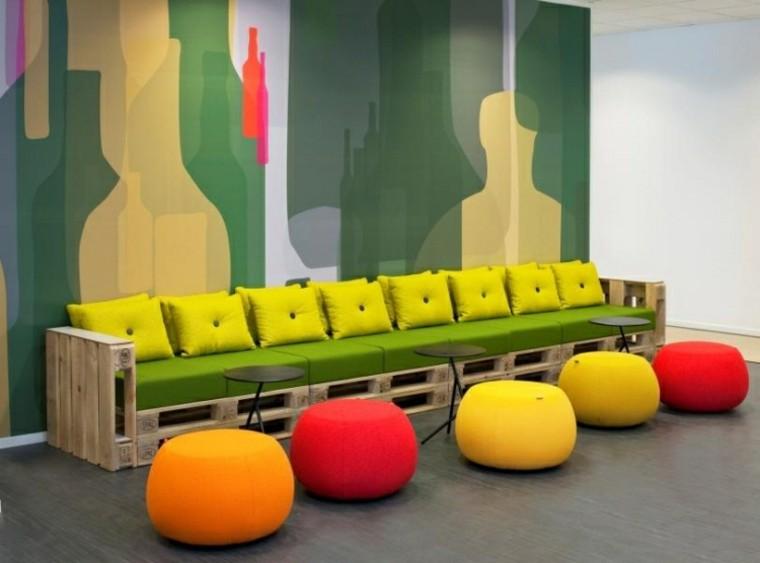 sofas baratos paredes salon colorido