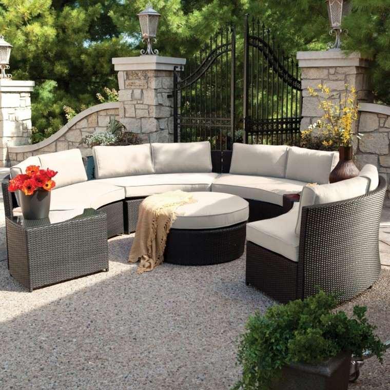 sofas circulo cojines blancos jardin ideas