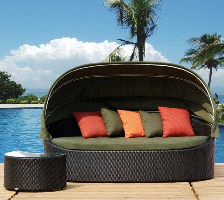 sofas jardín cojines colores naranja verde ideas