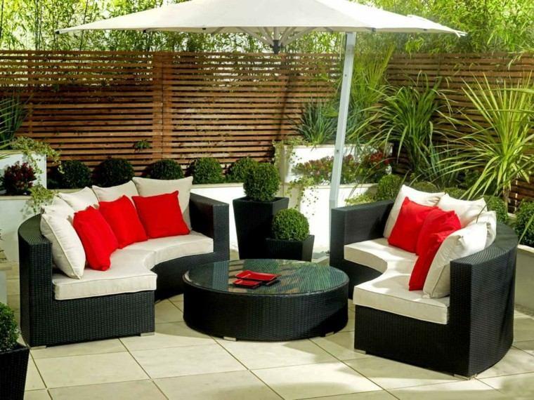 sofas jardn sombrilla blanca mesa redonda ideas