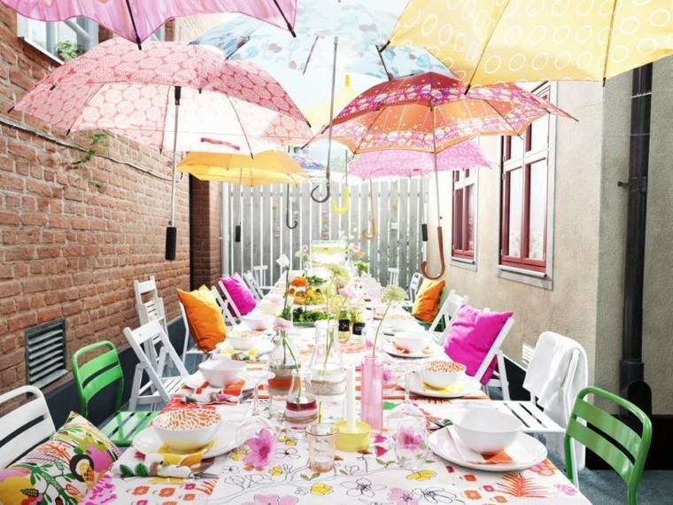 sombrillas colorido paredes ladrillo paraguas