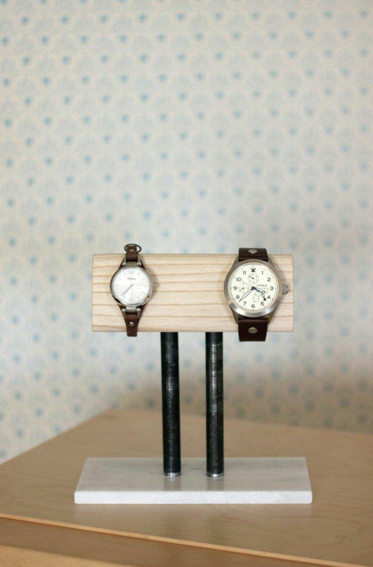 soporte relojes caballero madera pared papel