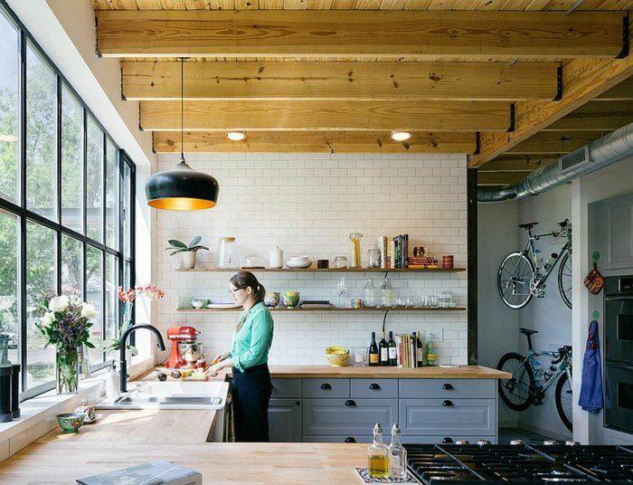 techo vigas madera cocina moderna