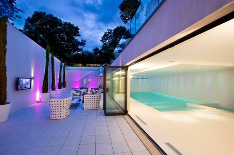 terraza blanca estilo futurista moderno