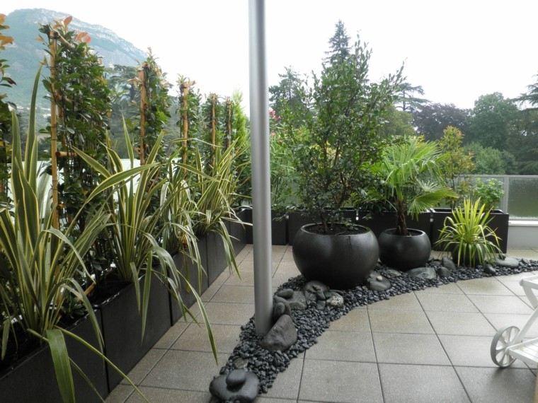 terraza elegante tubo rocas maceteros