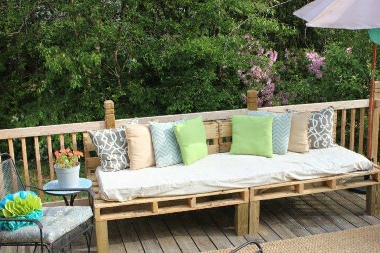 terraza madera amplio sofa exterior