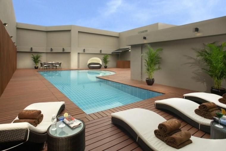 terraza madera plataforma piscina moderna