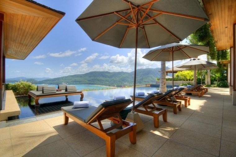 terraza miradores piscina infinita tumbonas