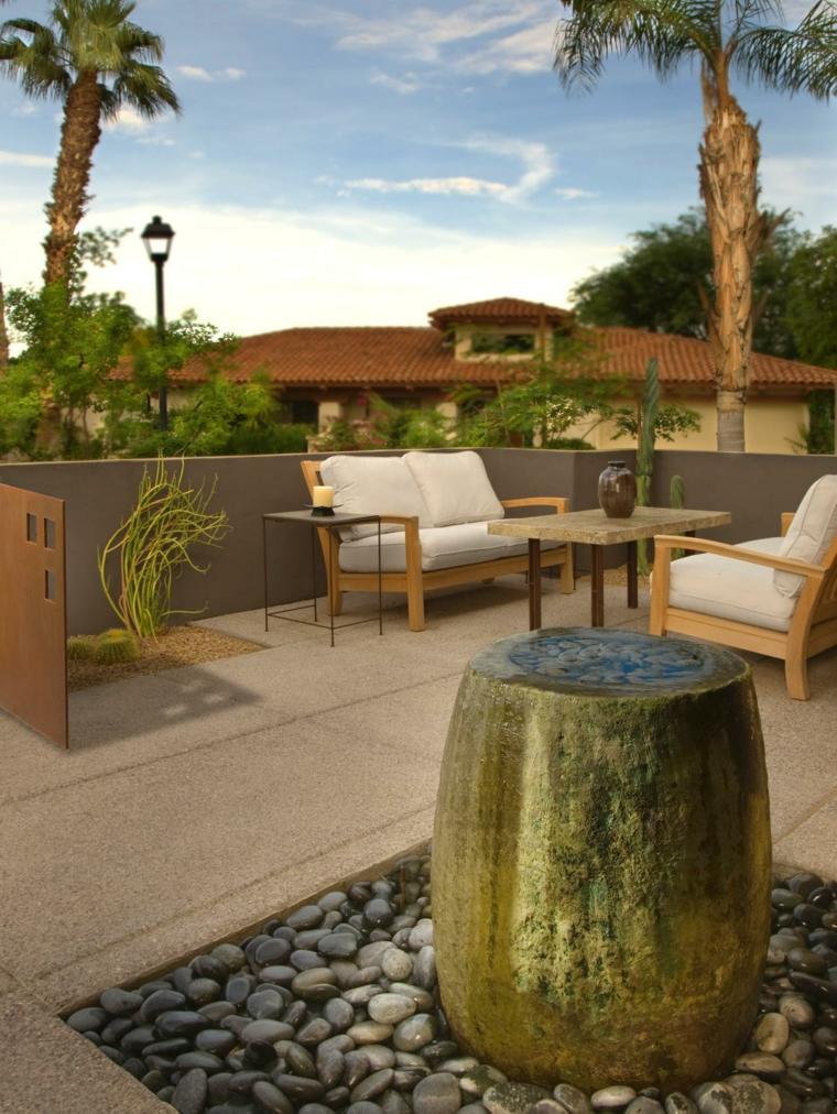 terraza moderna fuente piedras cantos