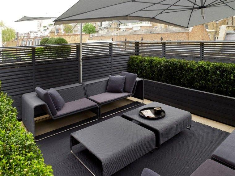 terraza muebles negros sombrilla modernos ideas