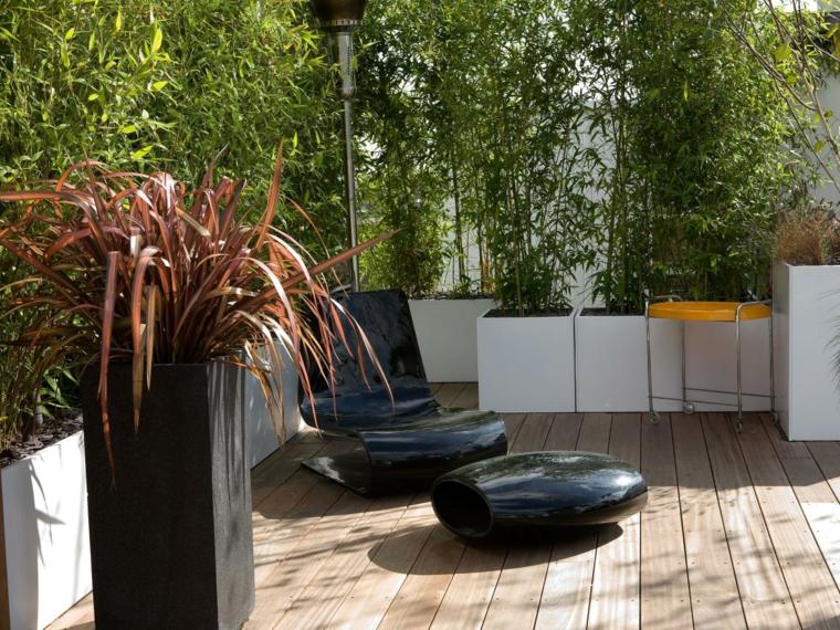 terraza negro diseno jardineras vertical