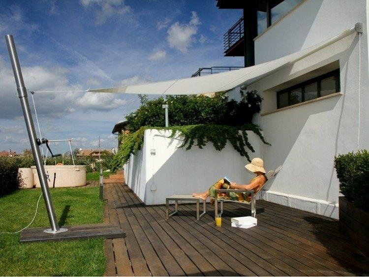 terraza pequeña toldo vela moderno