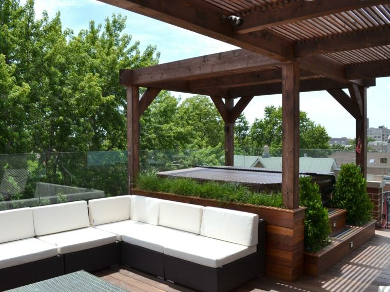 terraza pino escalones jacuzzi pergola