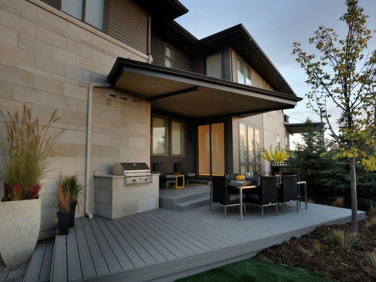 terraza suelo madera cocina exterior mesa sillas comer ideas