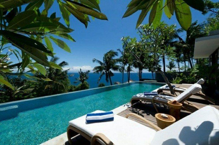 tiempo libre balcon tumbonas plantas