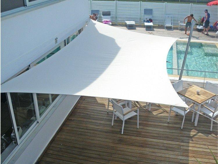 toldos parasoles blancos diseño moderno