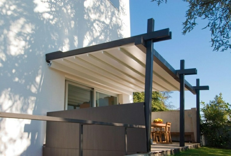 toldos pergolas terraza jardin madera negra ideas