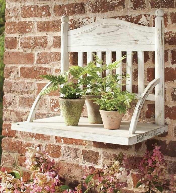 trozo silla jardinera pared