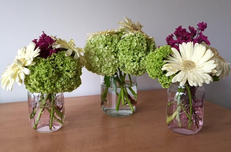 ultimo arreglo creativo jarros flores