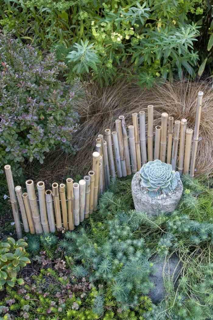 Vallas de jard n de estacas de madera empalizadas for Vallas de bambu para jardin